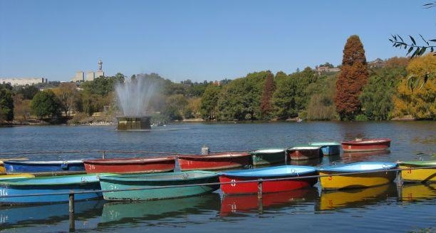 Boat Picnin