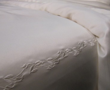 silk-duvet-cover-cocoon-luxury-bedding