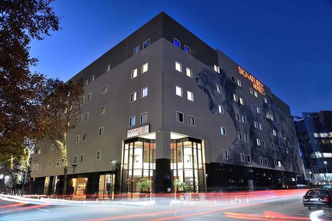 Signature Lux Hotel