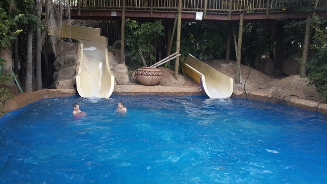 Keep cool at these awesome water parks Parks with swimming pools in johannesburg