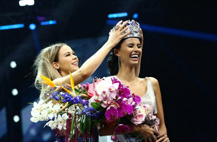 Crowning Miss SA 2018